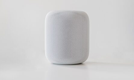 Hlasoví asistenti v podání výrobku od Apple.