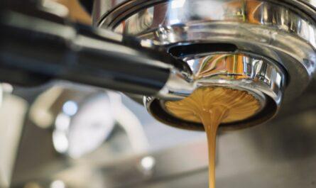 Profesionální příprava kávy. To umí moderní kávovary.
